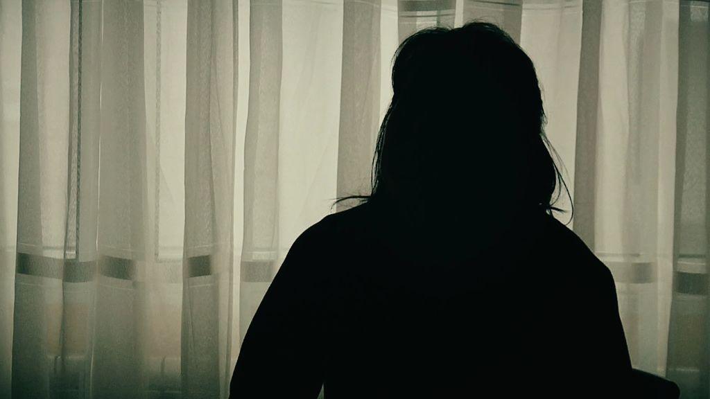 """Una presencia aterroriza a la familia: """"Le preguntaba a mi hijo: ¿con quién hablas?"""""""