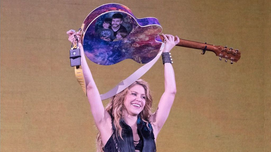 """El precioso detalle de Shakira con Piqué y sus hijos en pleno concierto en Barcelona: """"Me habéis hecho muy feliz"""""""