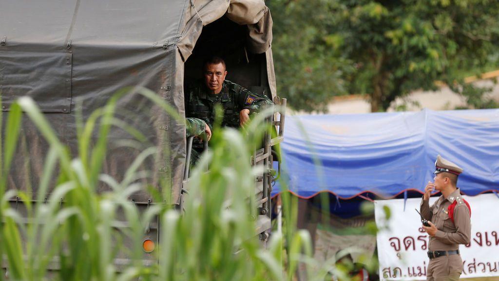 Rescatan a un quinto niño de los atrapados en la cueva de Tailandia