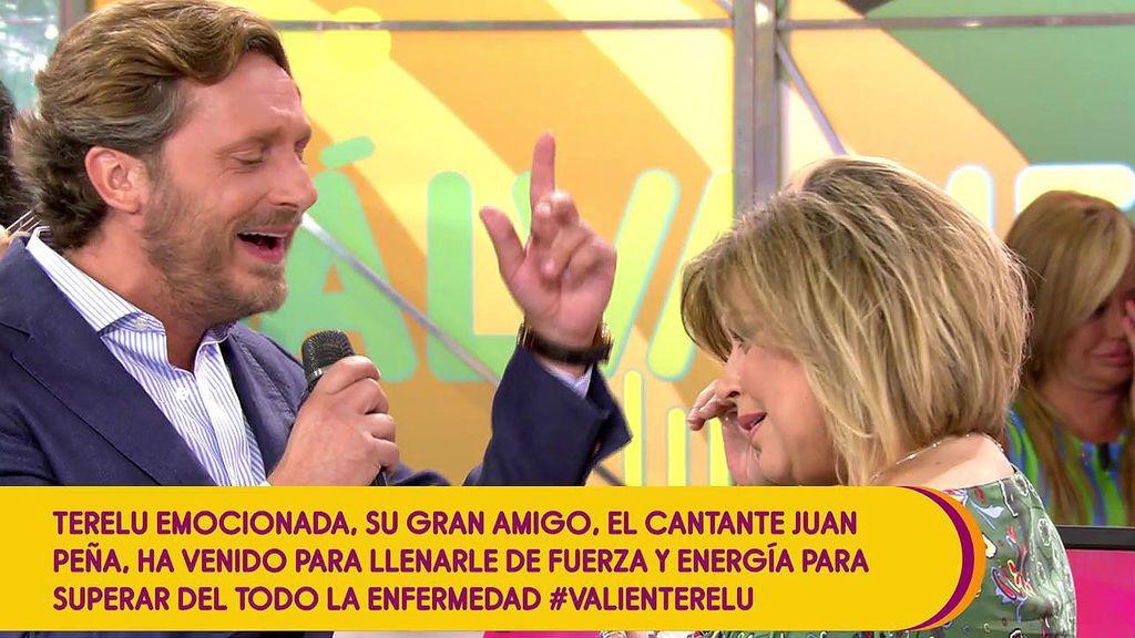 Juan Peña actúa por sorpresa en 'Sálvame' y emociona a Terelu