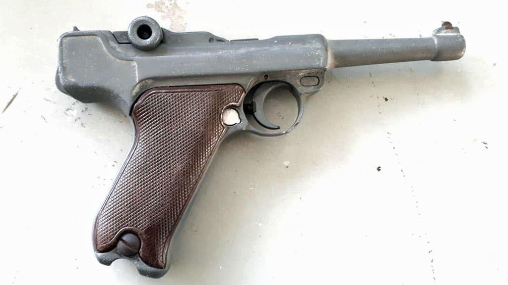 Detienen a dos ladrones en Colombia que robaban con una pistola del año 1900