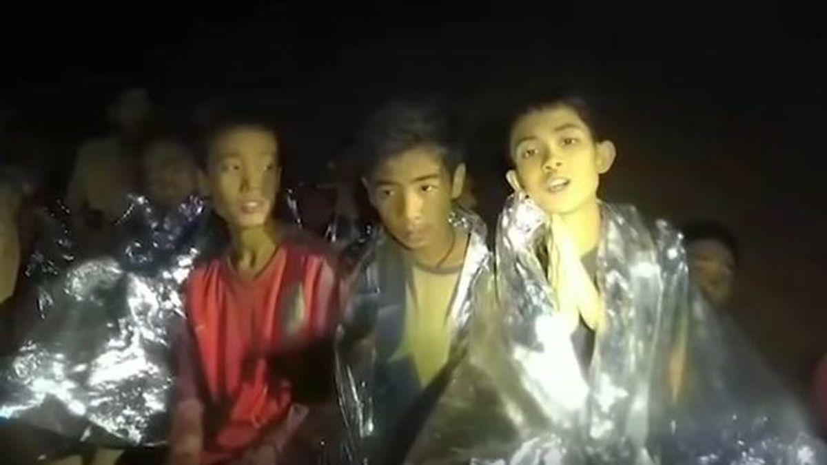 El mundo del deporte se vuelca con los doce niños y su entrenador rescatados de una cueva en Tailandia