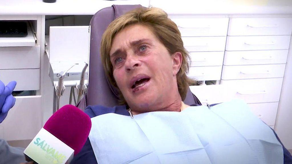"""Chelo García Cortes, destrozada tras romperse los dientes: """"Vivo de mi imagen"""""""