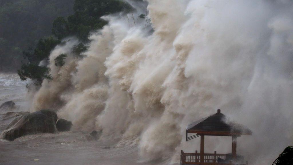 El paso del tifón María por China