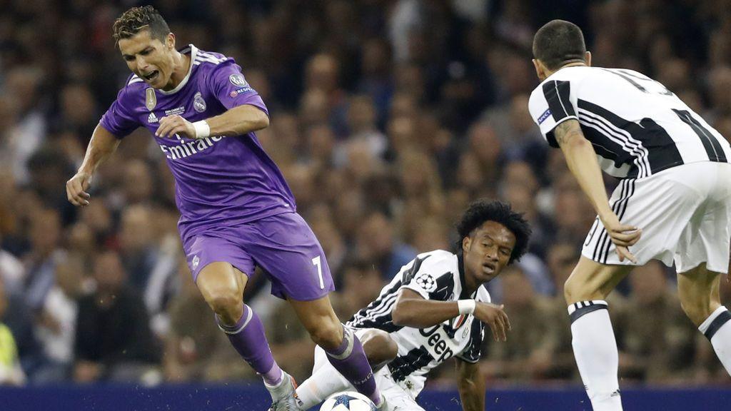 Cuadrado cede su número a Cristiano Ronaldo y le da la bienvenida con un tweet épico