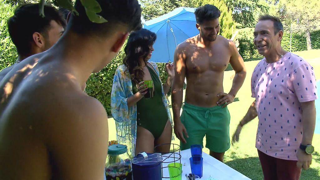 La multitudinaria cita de Marina en la piscina con el Maestro Joao y cuatro pretendientes