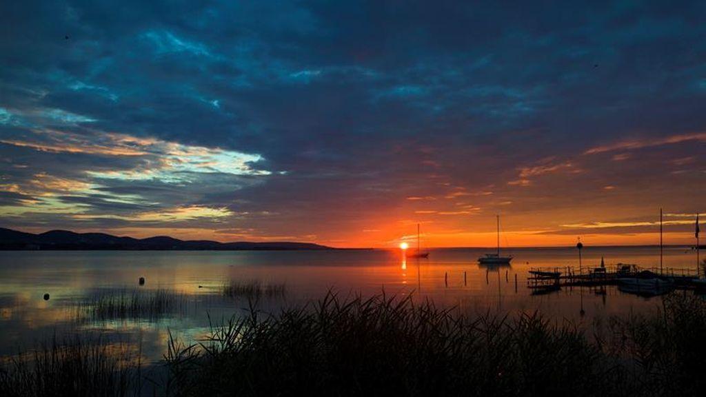 Así despierta el impactante lago Balaton