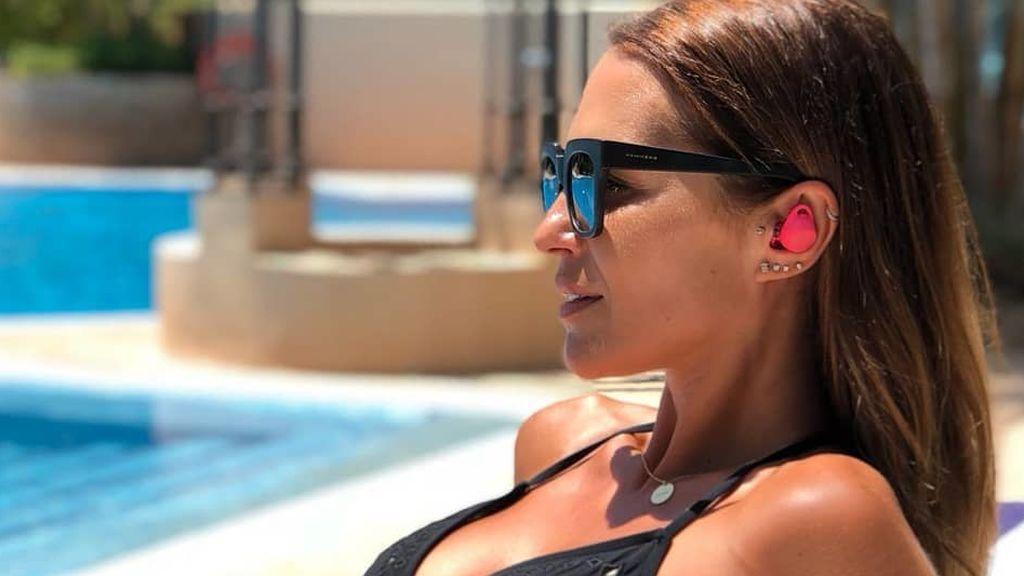 """El foto del 'six pack' de Paula Echevarría que le ha """"robado"""" Miguel Torres en la piscina"""