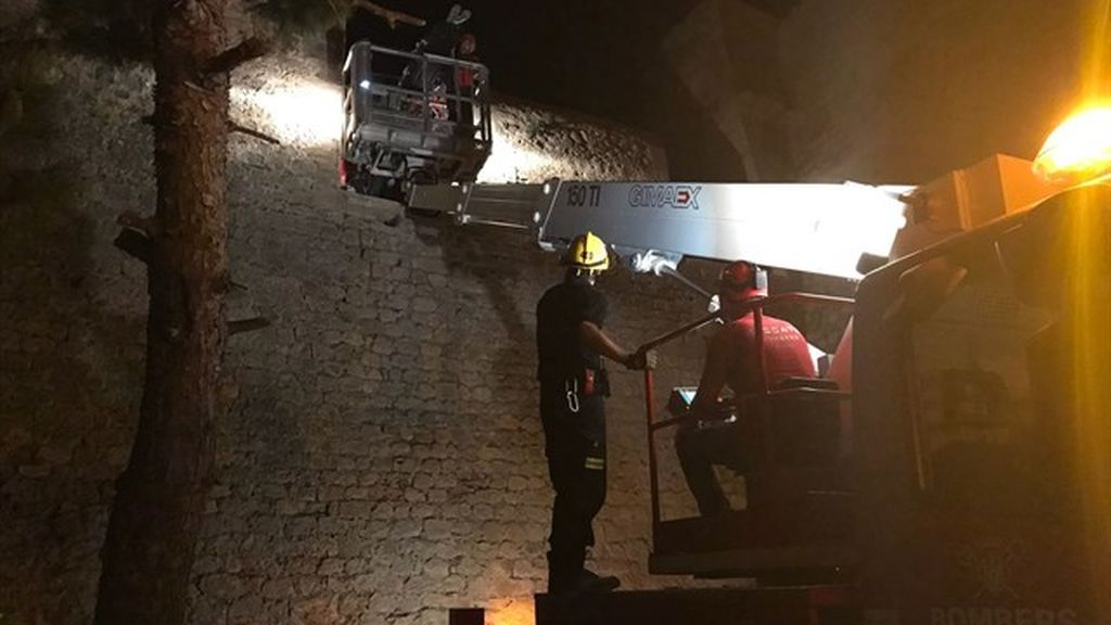 Herido grave tras caer de un mirador de Ibiza a diez metros de altura