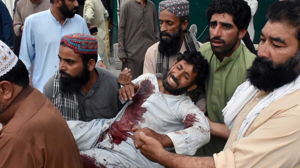 70 muertos y 120 heridos en un atentado suicida contra un candidato electoral en Paquistán