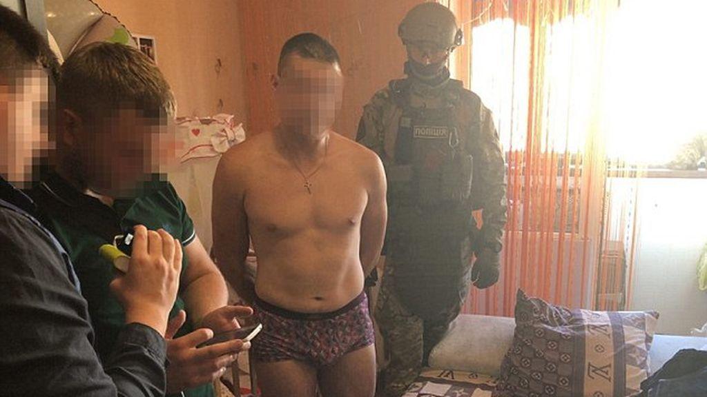 Un hombre viola a su hija de ocho meses y vende las fotografías a una web porno