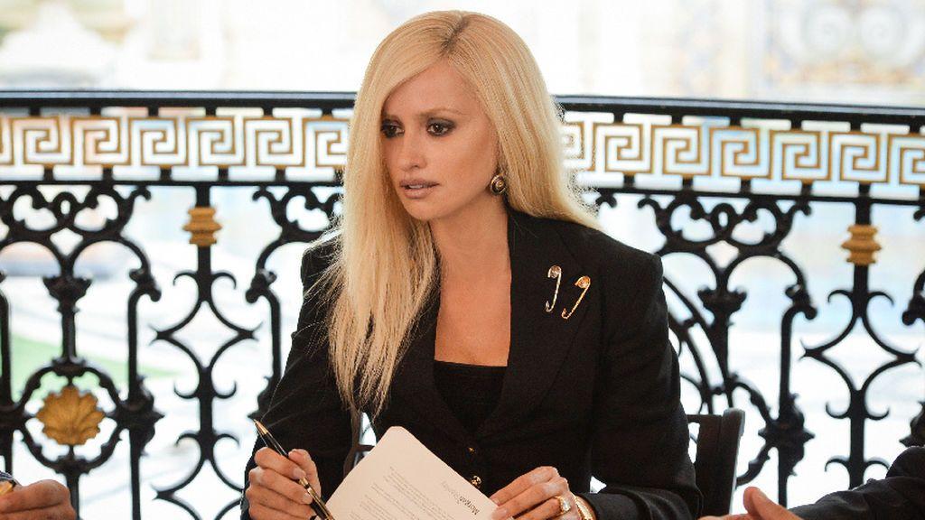 Penélope Cruz interpreta a Donatella Versace en la serie 'American crime story: el asesinato de Gianni Versace'.