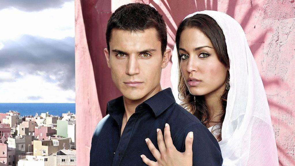 Álex González e Hiba Abouk interpretan a Javier Morey y Fátima Ben Barek, respectivamente, en 'El Príncipe'.