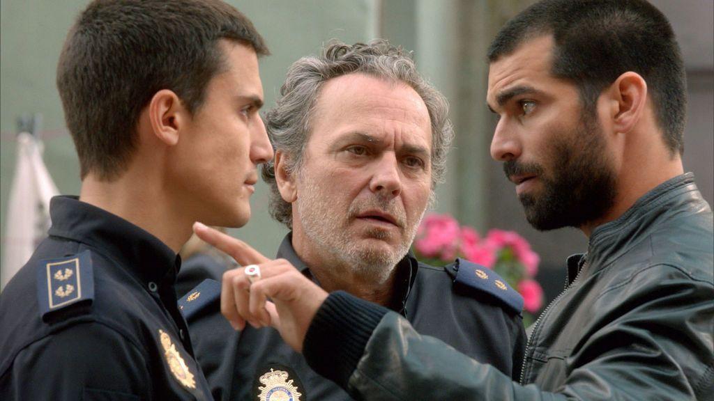 Álex González, Jose Coronado y Rubén Cortada, en 'El Príncipe'.