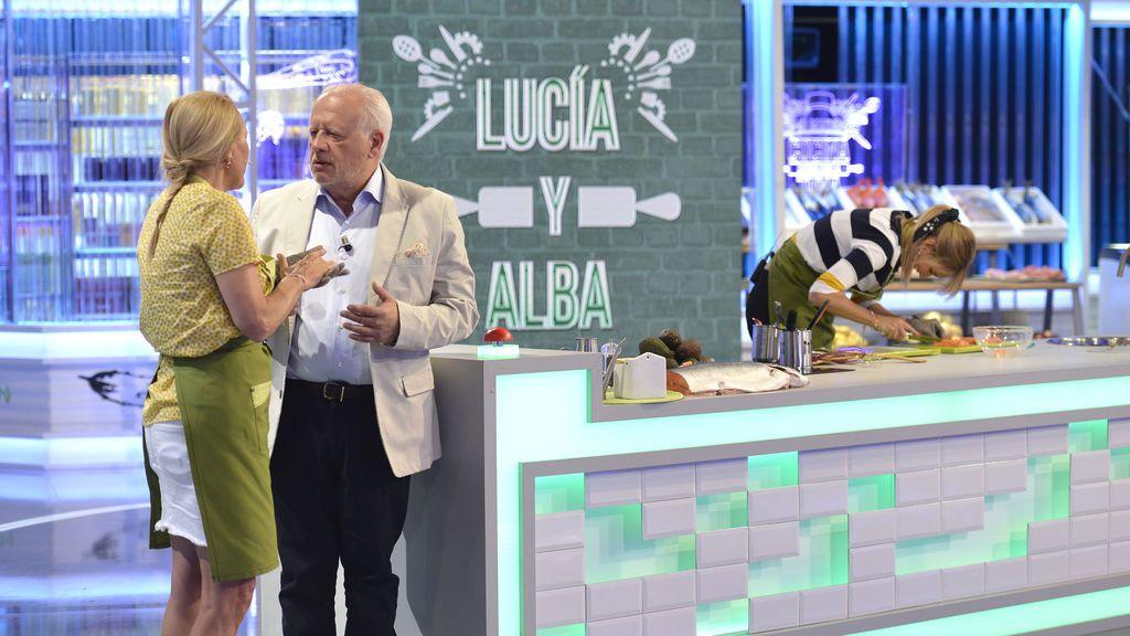 Juan Echanove ejerce de juez con Alba Carrillo y su madre, Lucía, en 'Mi madre cocina mejor que la tuya'.