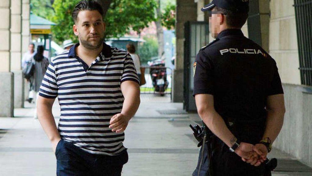 """El Prenda critica el cierre de su club de fans en Facebook: """"La viva imagen de la democracia"""""""