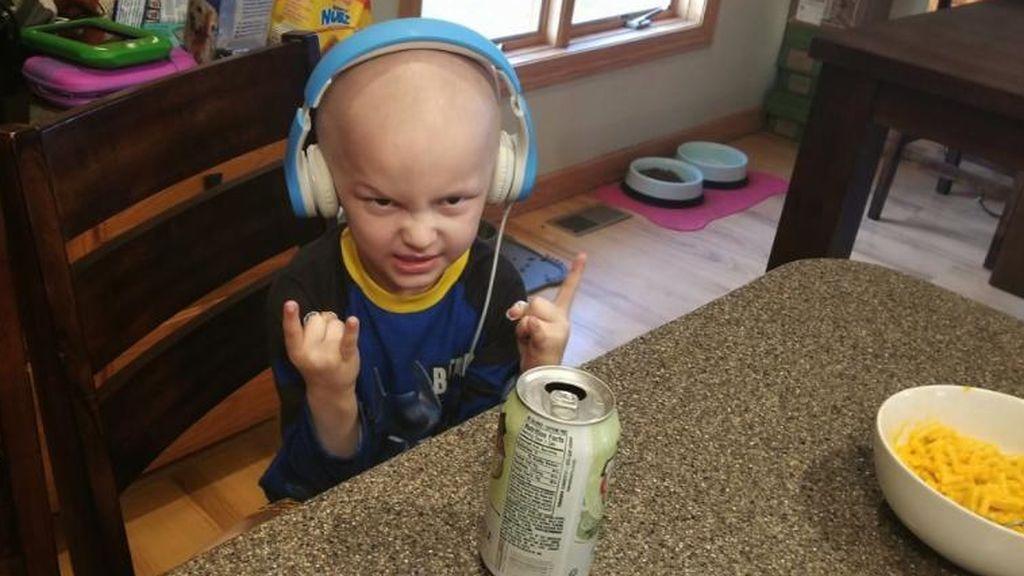 """El obituario de un niño que murió de cáncer: """"Quiero castillos hinchables, a batman y fuegos artificiales"""""""