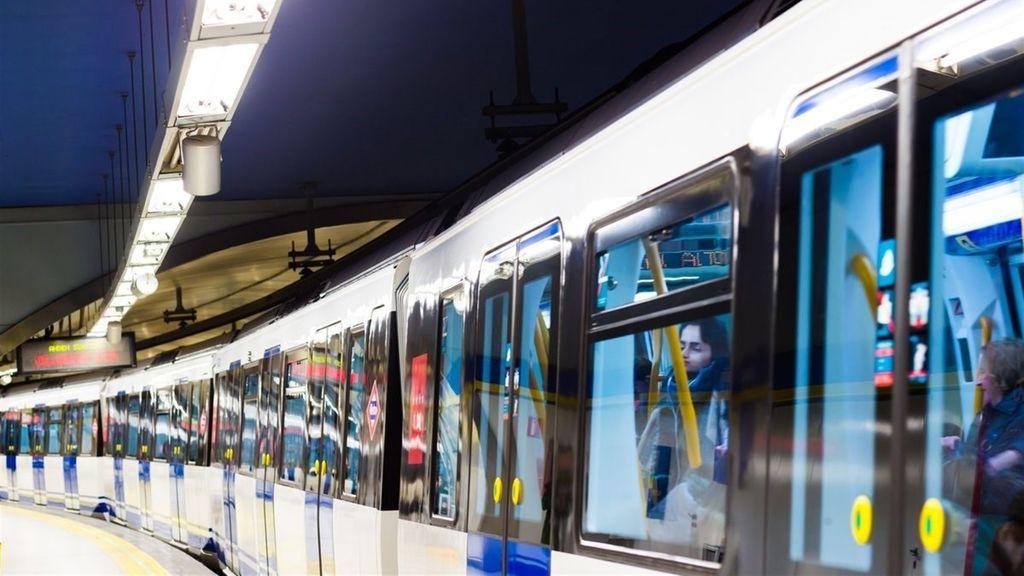 Detenido en Madrid tras empujar a un hombre a las vías del Metro y ser arrollado