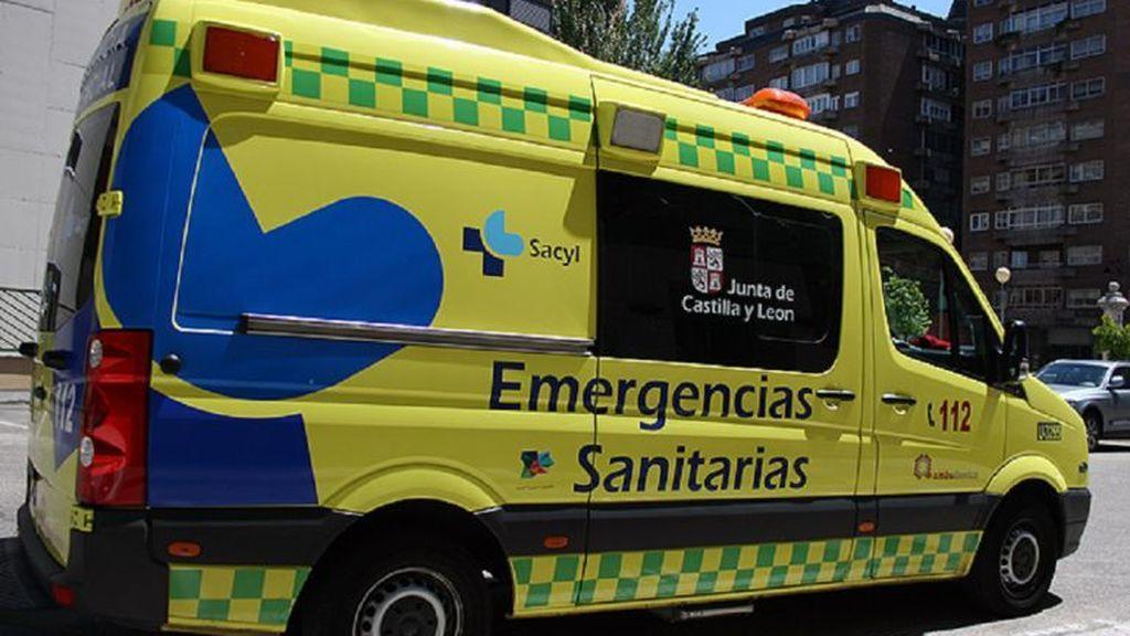 Muere una mujer y dos jóvenes resultan heridos tras volcar un turismo en Burgos