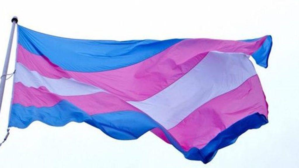 Una transexual logra el DNI sin hormonarse