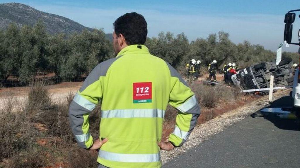 Trasladadas cinco personas, dos de ellas en estado grave, tras ser arrolladas por un coche en Sevilla