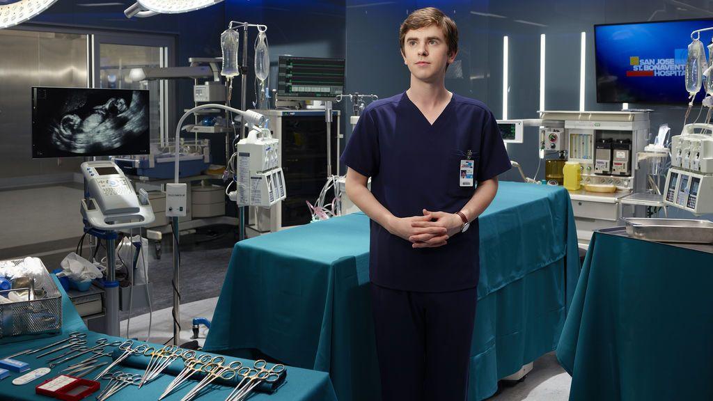 Freddie Highmore  es Shaun Murphy en 'The good doctor'.