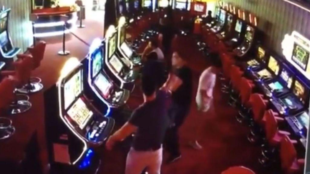 Juzgan a un ludópata que disparó a quemarropa al empleado de una sala de juegos en Cataluña