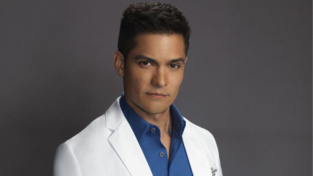 Nicholas Gonzalez es Neil Melendez.