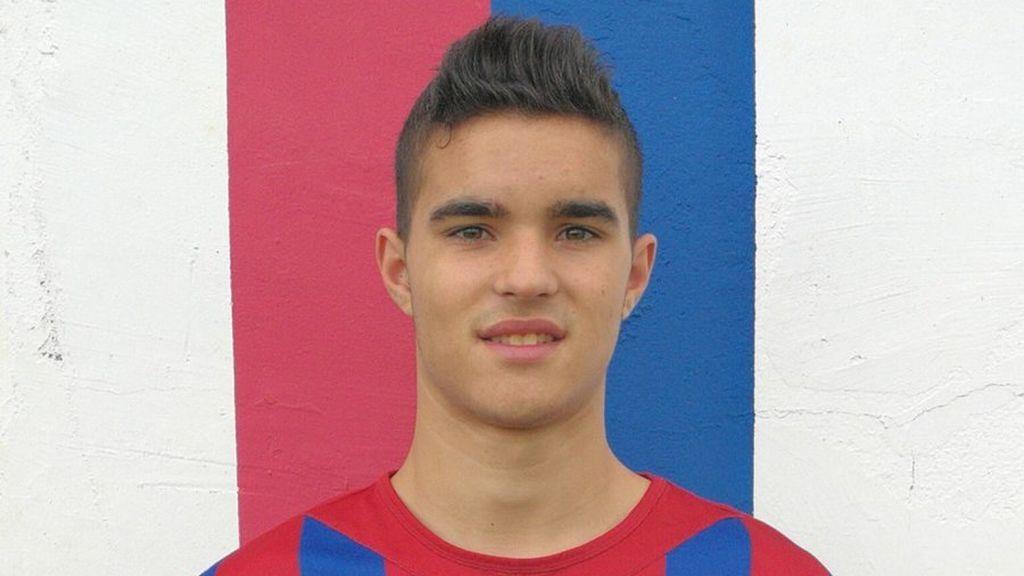 Conmoción en Asturias por el fallecimiento de Sergio Menéndez, futbolista de 20 años y entrenador de los niños del Tineo, junto a otra joven en un accidente de tráfico