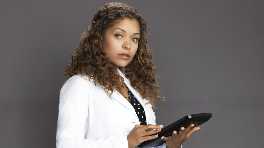 Antonia Thomas es Claire Browne.