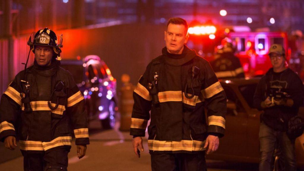 Cuatro estrena '9-1-1', serie creada por Ryan Murphy (dossier y fotos)