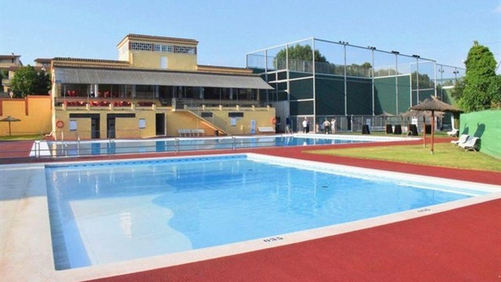 En estado crítico un niño de siete años tras estar a punto de ahogarse en una piscina