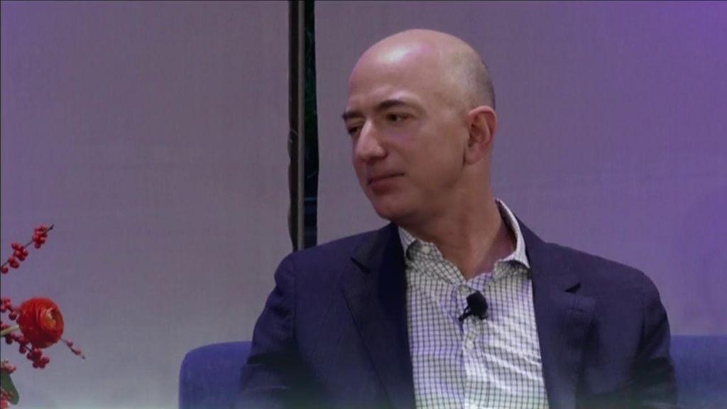 El creador de Amazon lidera la lista Forbes de los más ricos del planeta con una fortuna histórica