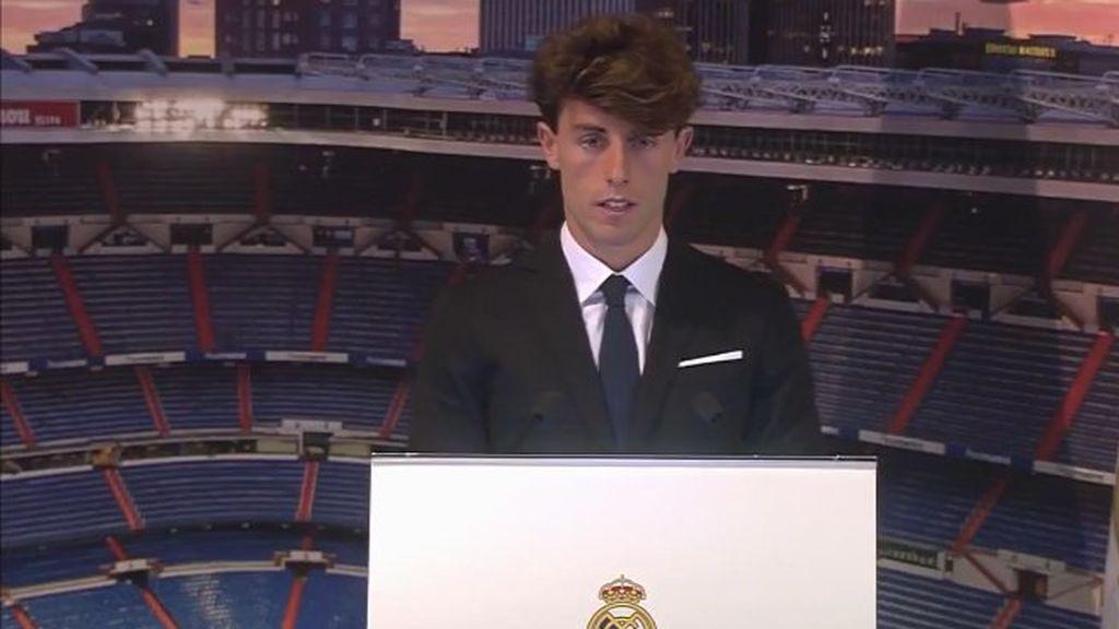 """Odriozola, presentado por el Real Madrid: """"Es un honor y cumplir la ilusión de todo futbolista, fichar por el Real Madrid"""""""