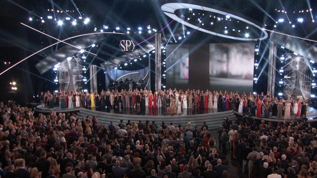El emocionante homenaje a las 141 víctimas de abuso sexual del médico de gimnasia olímpica de Estados Unidos