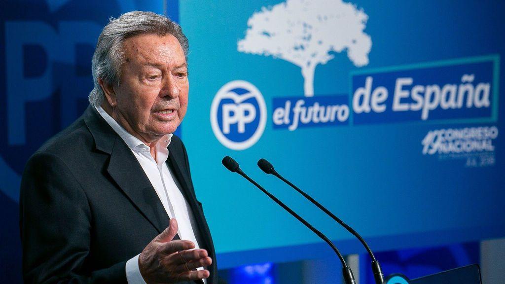 Luis De Grandes señala que Aznar renunció a ser presidente de honor del PP