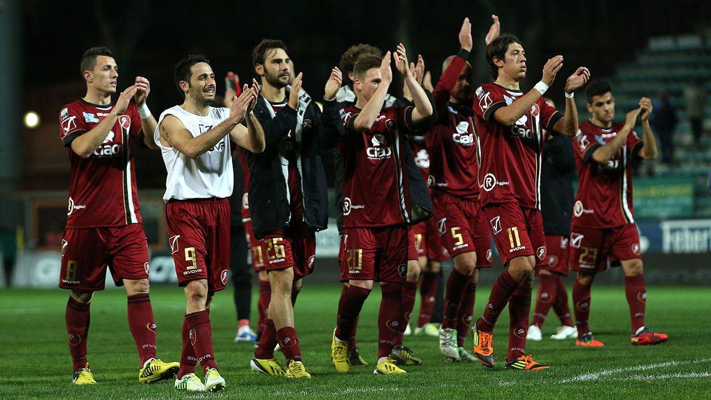 ¡Emocionante! Las lágrimas de un antiguo fan del Reggina al enterarse de que su club se ha declarado en bancarrota