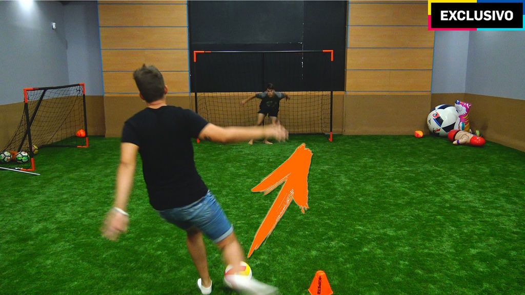 Un balón de volley complica la vida a Doctore Pollo y su crazy crew