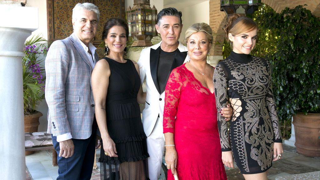 Agustín Bravo, Melody, Olivia Valère, Raquel Bollo y Ángel Garó, rivales culinarios en 'Ven a cenar conmigo. Summer edition'