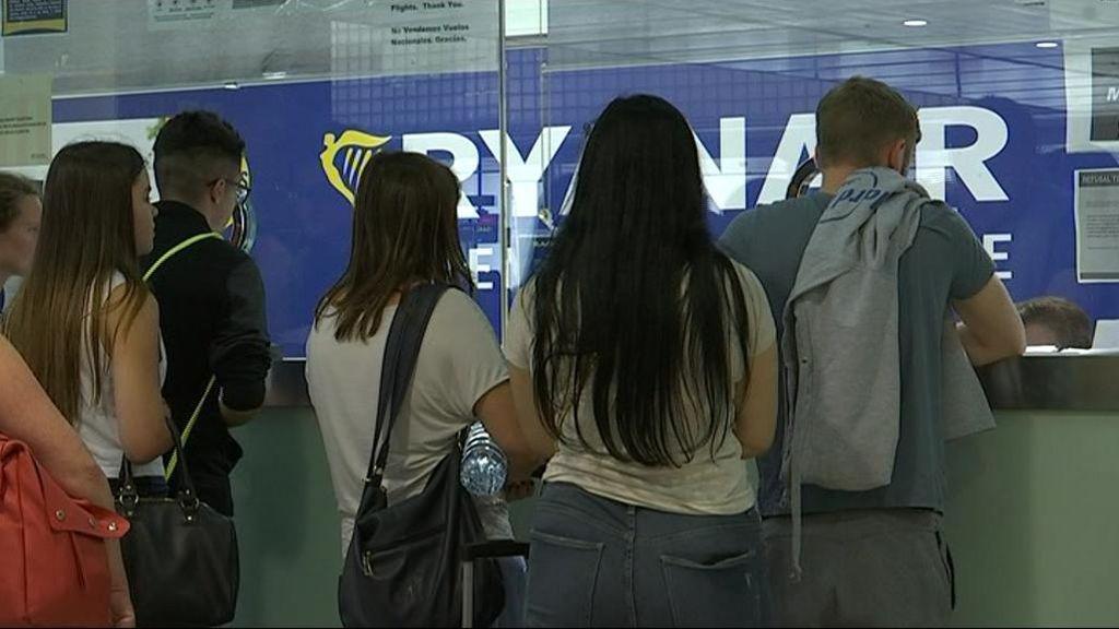 Ryanair deberá garantizar hasta el 59% de los vuelos nacionales e internacionales