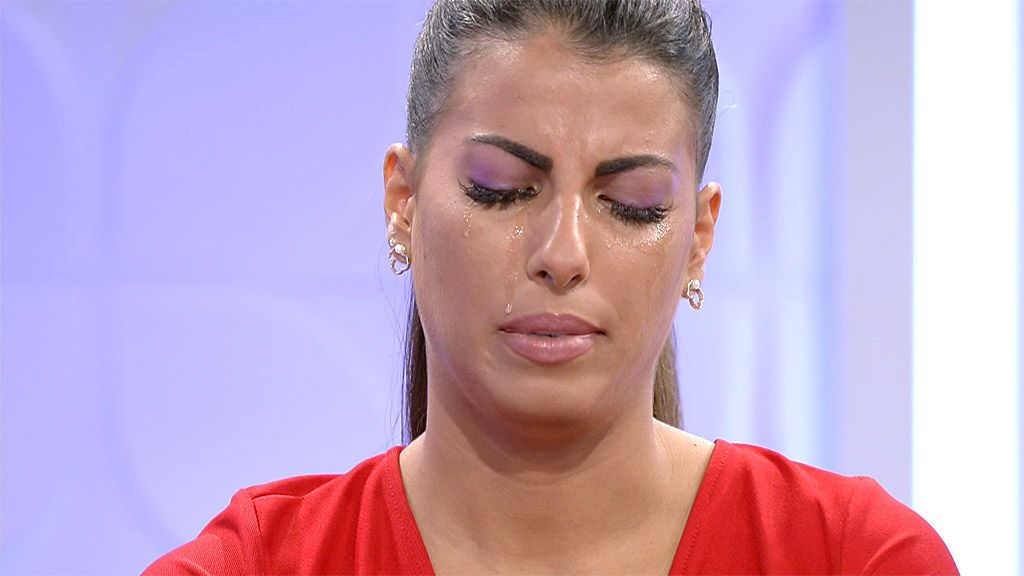 Jenni rompe a llorar por la presión de sus compañeras