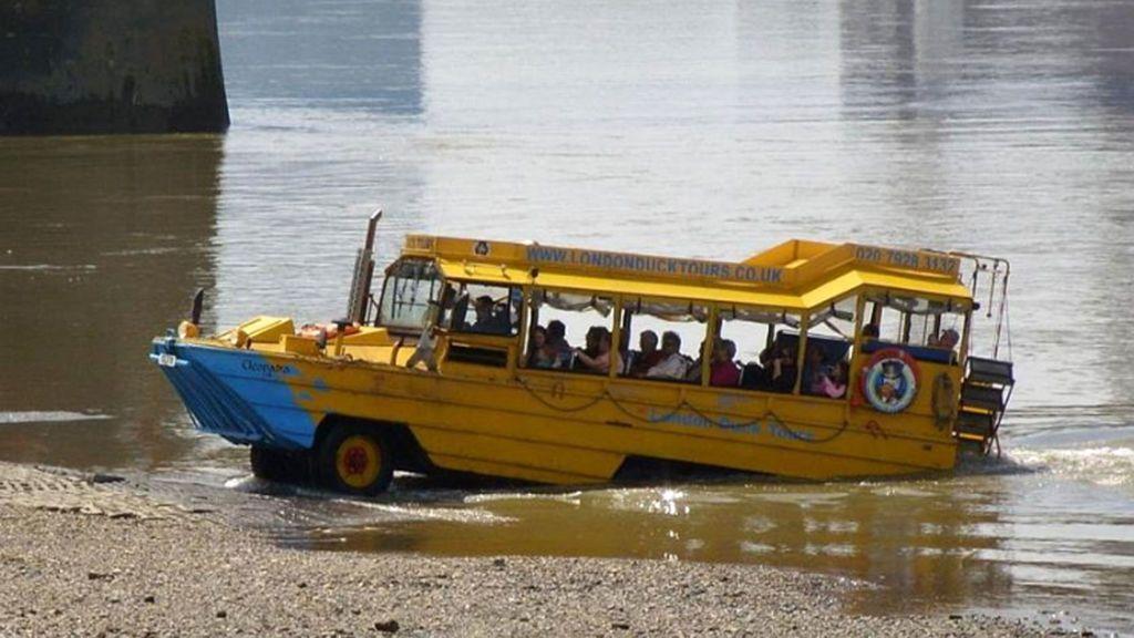 Mueren ahogadas 11 personas al volcar una embarcación turística en Misuri