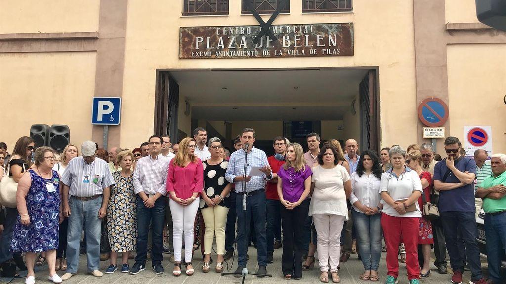 El funeral de la familia asesinada en Francia por presunta violencia machista se realiza en Sevilla