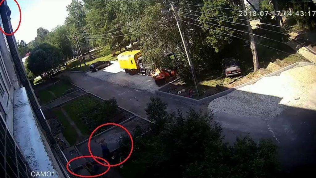 Milagroso rescate de un niño de tres años al caer desde un cuarto piso