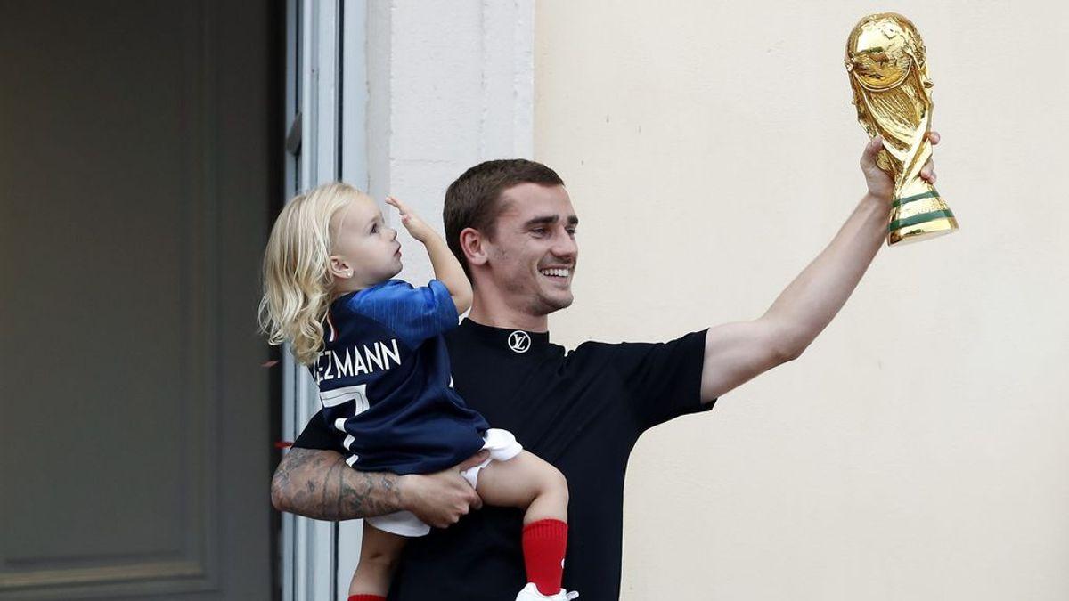 La foto de Griezmann de pequeño que nunca has visto: pelo rubio largo, rollo surfero y con la camiseta de la Lazio