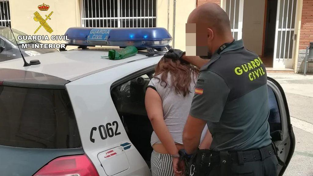 Guardia Civil detiene en Murcia a dos hermanas buscadas por catorce órdenes de detención