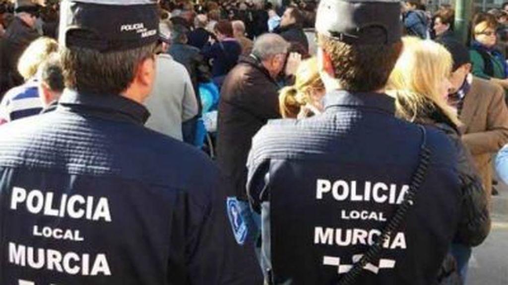 Con 21 años, detenido en Murcia acusado de pegar y amenazar de muerte a su pareja