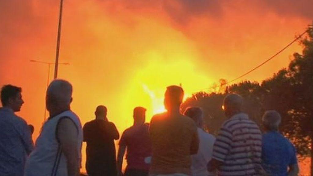 Voraces y sin control: así son los incendios de Grecia que han causado 74 muertos