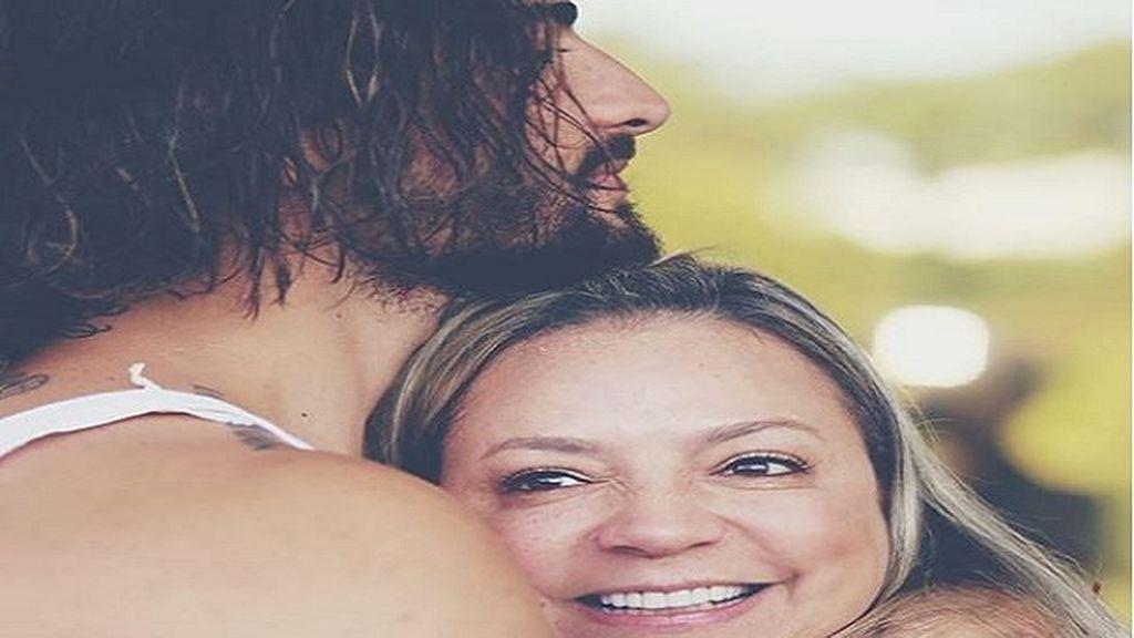 Maluma publica foto con su madre en su cumpleaños