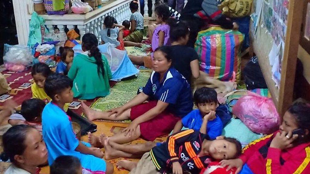 Hundimiento de la presa en Laos